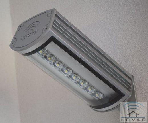 LovasLED 8 LED-es reflektor