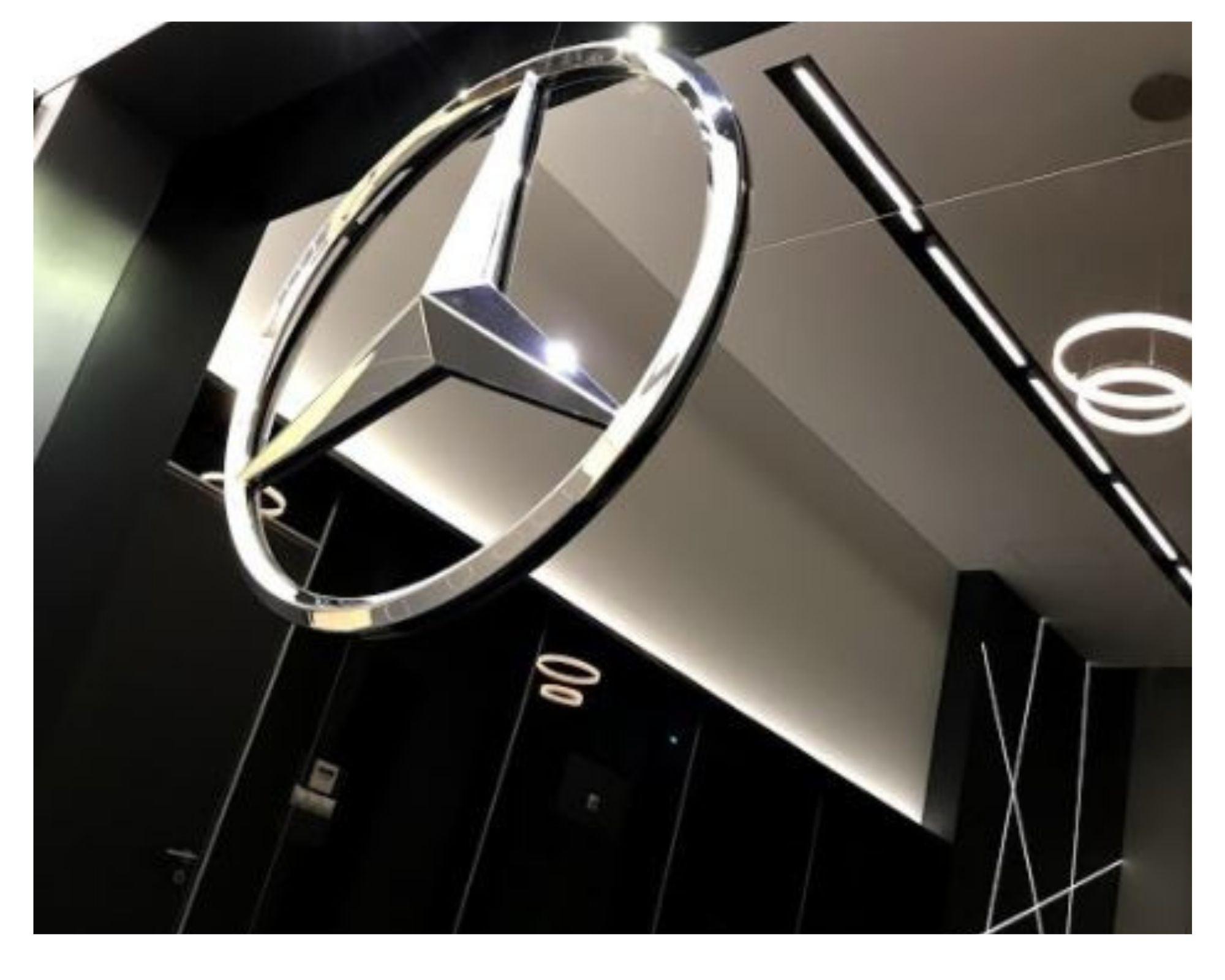Mercedes Benz átadó helyiség - Kecskemét