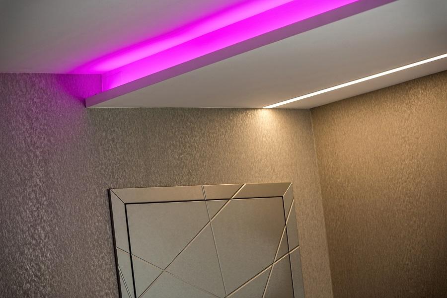 RGB és fehér LED szalag